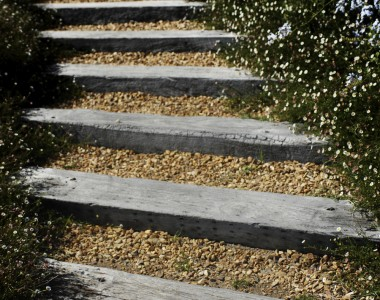 Escalier en traverse de chemin de fer